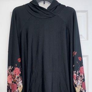 NWT Lularoe 2XL black floral sleeve Amber hoodie